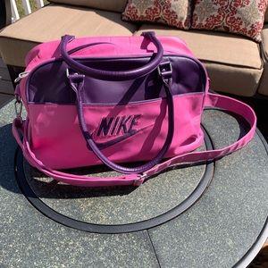 Vintage Nike Gym Duffle Bag! ⛹🏽♀️🤺🧘🏽♀️